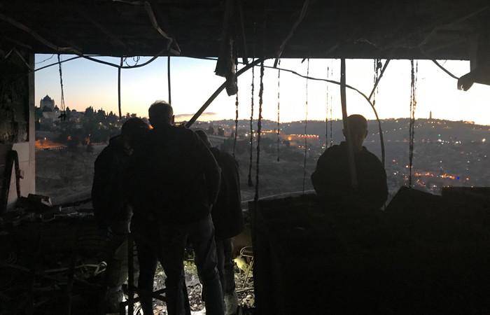 Gli studi di una tivù evangelica dati alle fiamme a Gerusalemme