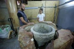 Betlemme, fonte battesimale riscoperto alla Natività