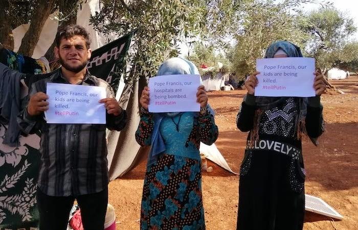 «I nostri bambini vengono uccisi. Lo dica a Putin», scrivono ancora al Papa questi sfollati in un uliveto dentro la sacca di Idlib.