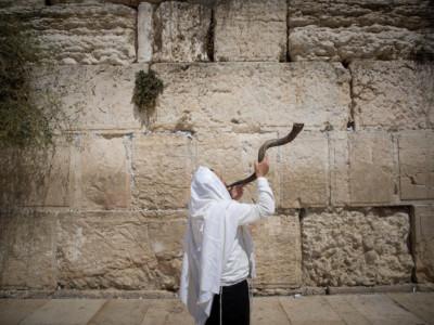 Uno studio internazionale: Israele poco laico