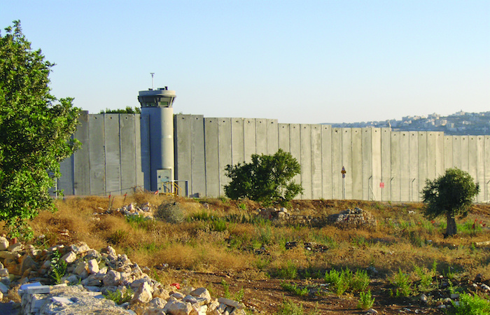 Gaza, un nuovo muro