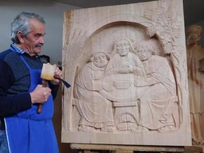 Dalla Val Gardena sculture per Emmaus