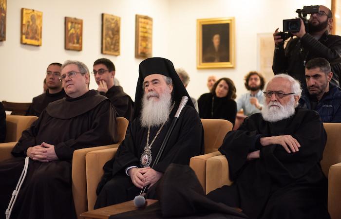 Da sinistra fra Francesco Patton, il patriarca Theophilos III e il rappresentante armeno, padre Samuel Aghoian.