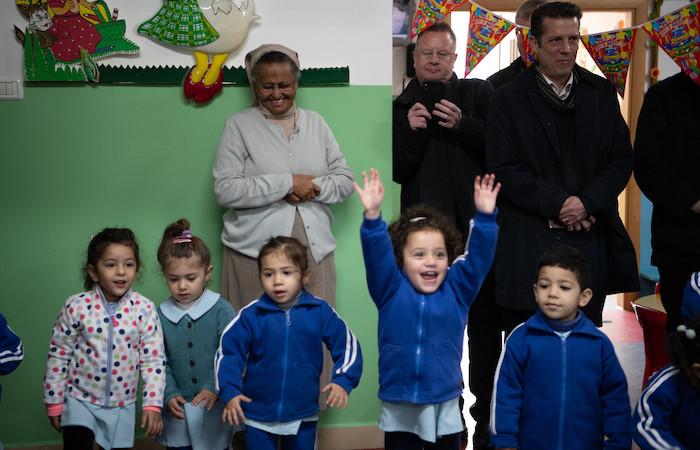 La gioia dei bimbi della scuola materna delle comboniane. (foto N. Asfour)