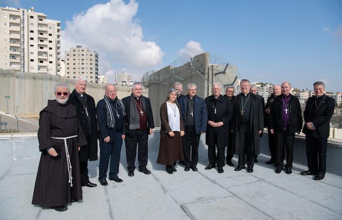 Foto di gruppo con suor Alicia Vacas Moro, superiora del convento. (foto N. Asfour)
