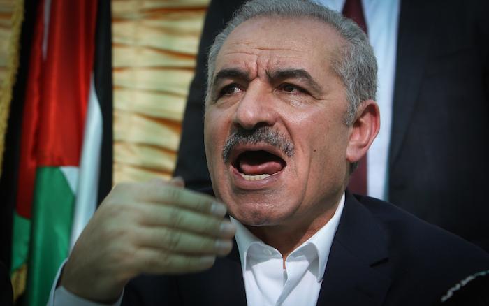 Palestina al verde, tagliati gli stipendi pubblici