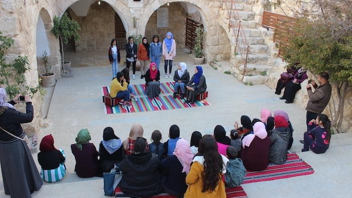 Un laboratorio di tradizione orale promosso da Riwaq.