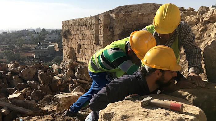 Maestranze al lavoro a Kafr 'Aqab.