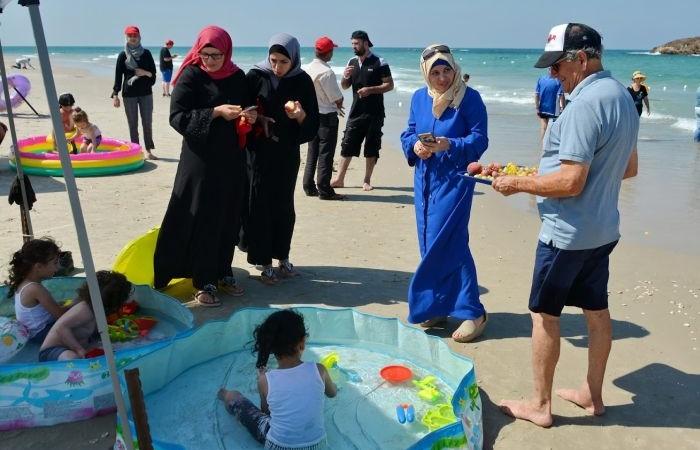 Per molti palestinesi, grandi e piccoli, è difficile godersi una giornata di mare.