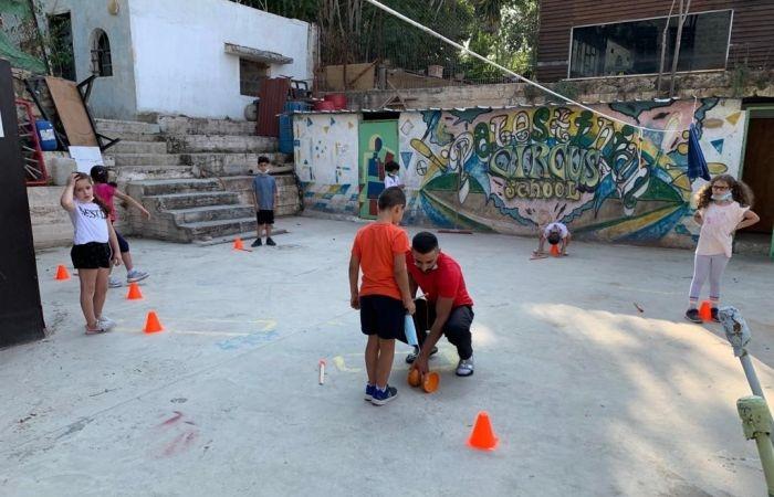 La scuola circense promuove formazione per i piccoli in varie località.