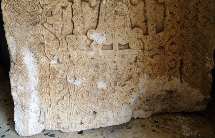 Un <i>khatchkar</i> armeno trovato a Gerusalemme
