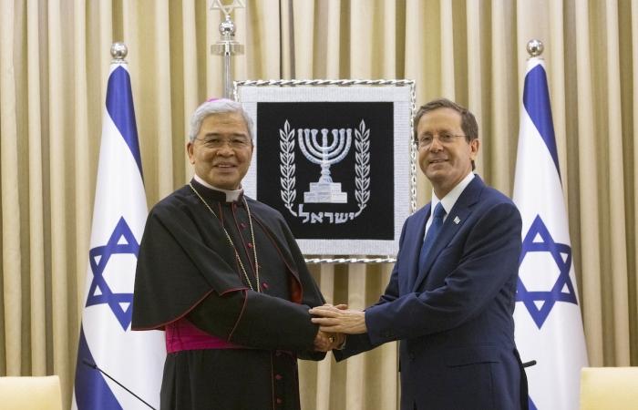 Il nunzio Yllana accreditato in Israele